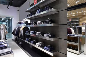 Keep_Merchandise_Neat_and_Organized_with_the_Right_Retail_Shelving