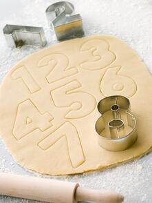 4 Reasons to Avoid Cookie Cutter Pharmacy Shelving